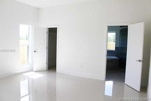 10310 SW 7th Ter - Photo 19