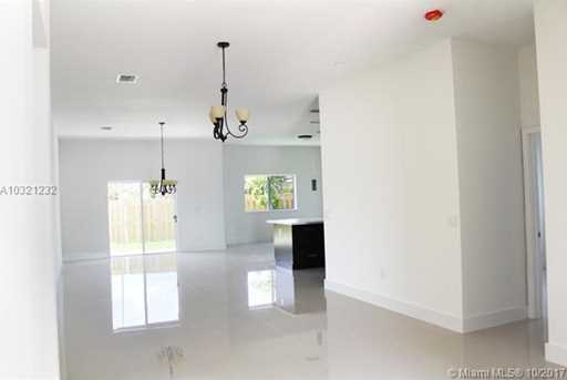 10310 SW 7th Ter - Photo 10