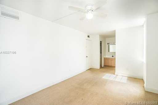 12105 NE 6th Ave #201 - Photo 10