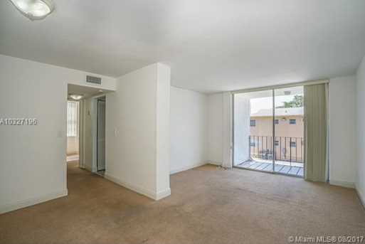 12105 NE 6th Ave #201 - Photo 2