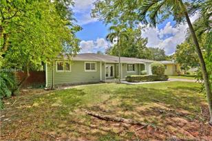 6550 SW 77th Ter - Photo 1