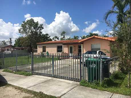 5440 SW 101st Ave - Photo 1