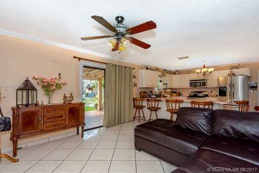 4148 SW 95th Ave - Photo 7