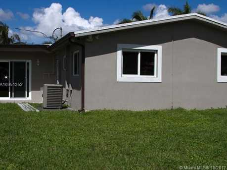 7800 NW 174th Ter - Photo 12