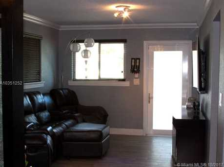 7800 NW 174th Ter - Photo 6