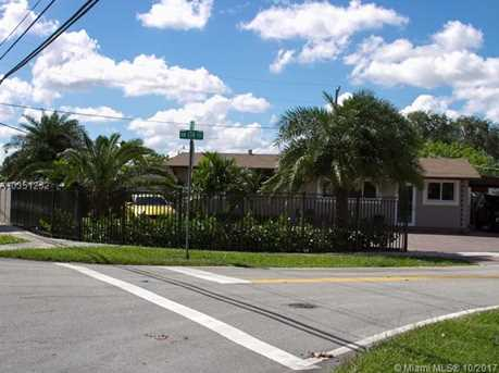 7800 NW 174th Ter - Photo 1