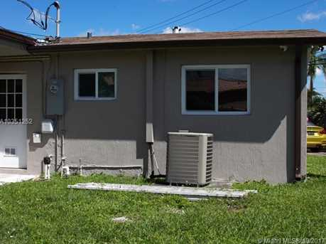 7800 NW 174th Ter - Photo 10