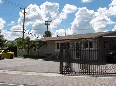 7800 NW 174th Ter - Photo 3