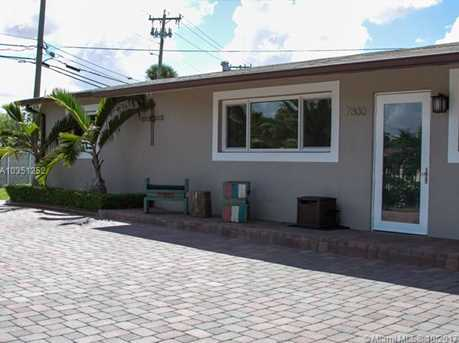 7800 NW 174th Ter - Photo 2