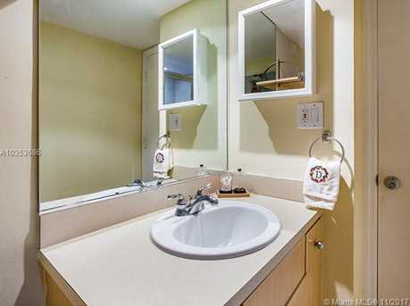 5600 Collins Ave #15N - Photo 13
