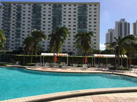 19380 Collins Ave #1115 - Photo 31