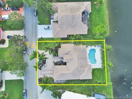 8445 NW 43rd Ct - Photo 3