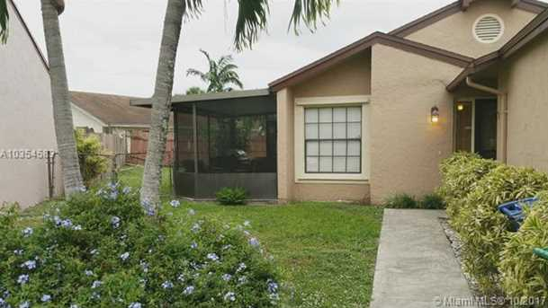 2421 SW 82nd Ave - Photo 1