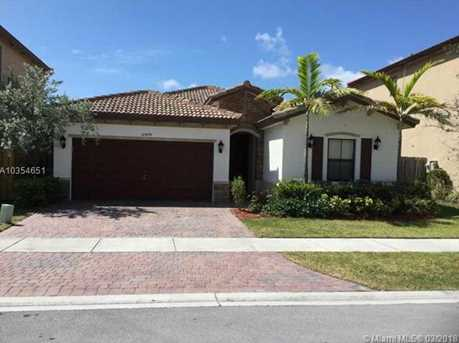 10478 SW 227th Ter - Photo 3