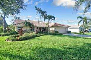 8640 NW 57th Ct - Photo 1