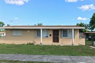 1990 NW 152nd Ter - Photo 1