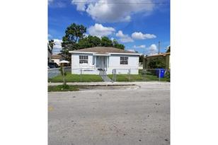 1811 NW 48th St - Photo 1
