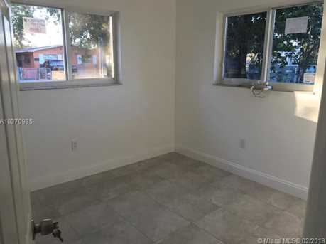 4221 NW 18th Ave - Photo 9
