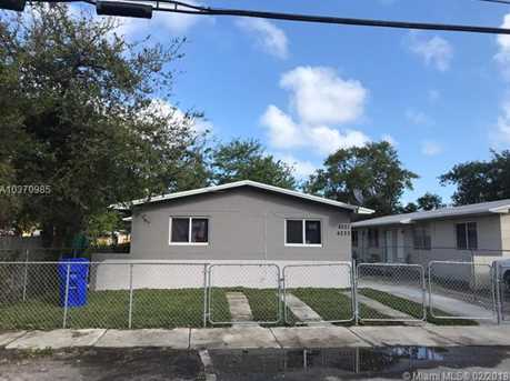 4221 NW 18th Ave - Photo 1