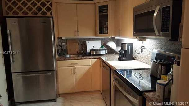 6039 Collins Ave #930 - Photo 8