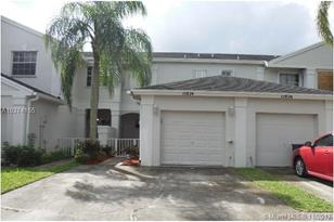 11874 SW 97th Ter - Photo 1