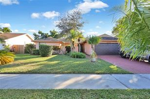 4936 Willow Dr - Photo 1