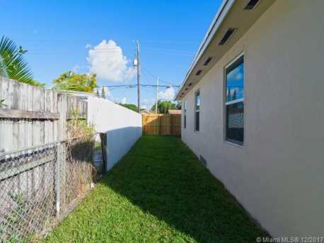 4228 NW 1st Ave - Photo 43