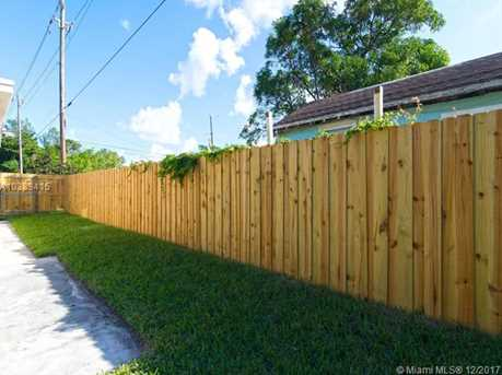 4228 NW 1st Ave - Photo 45