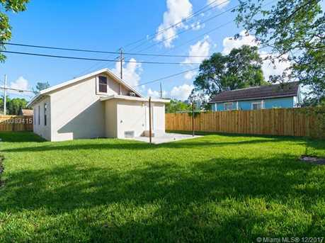 4228 NW 1st Ave - Photo 37