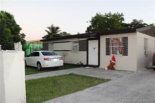 877 NW 3rd St - Photo 1