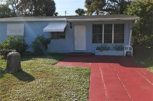 851 NW 34th Way - Photo 1