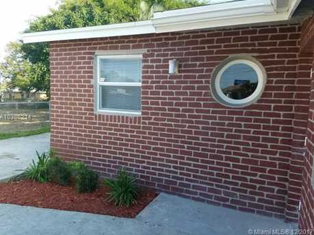 544 NW 13th Ave - Photo 3