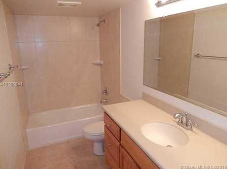 10425 SW 112th Ave #304 - Photo 5
