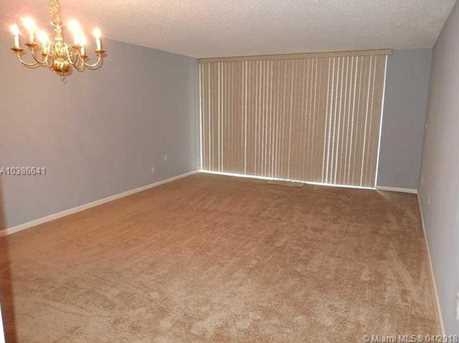 10425 SW 112th Ave #304 - Photo 3