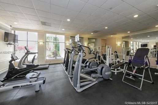 5700 Collins Ave #11N - Photo 5