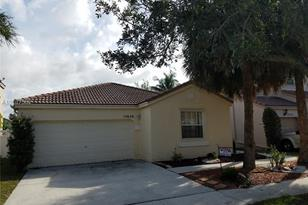 15626 NW 14th St - Photo 1