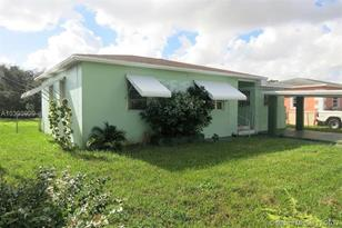 2970 NW 69th St - Photo 1