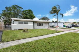 6460 NW 29th St - Photo 1