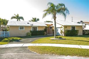 10620 SW 165th St - Photo 1