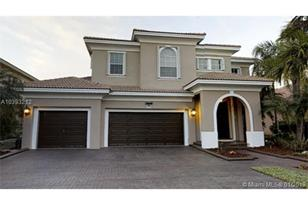 3200 SW 192nd Ave - Photo 1
