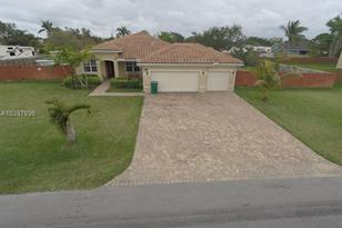 1690 NW 21 St - Photo 1