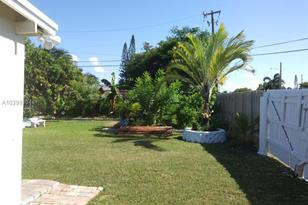 765 NW 3 St - Photo 1