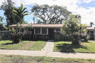 9830 SW 164th Ter - Photo 1