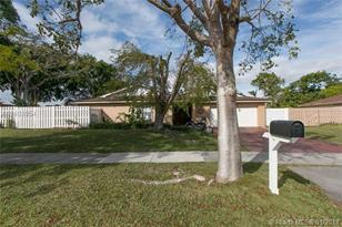 13355 SW 104th Ter - Photo 1