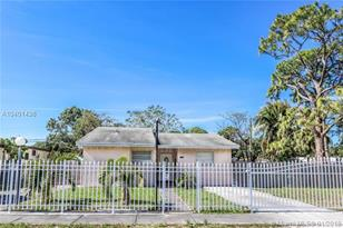 16340 NW 37th Ct - Photo 1