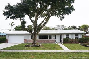 560 NW 75th Ave - Photo 1