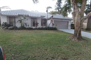 7014 NW 38th Mnr - Photo 1