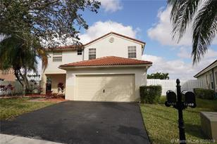 13361 NW 13th St - Photo 1