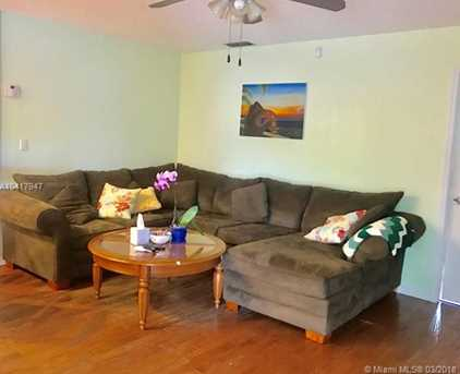 9565 NW 27th Ct - Photo 7