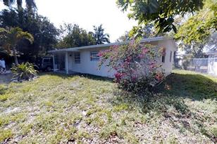 1535 NW 17th St - Photo 1